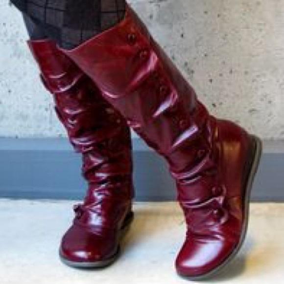69fea2a801639 Miz Mooz Bloom Boots 10. M_5b88a6a310fc54c363e5bcc9